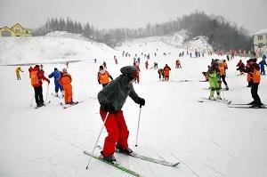 临淄蓝溪滑雪场