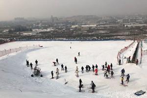 永濟神潭南山滑雪場