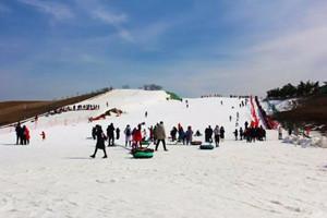 龍門崮滑雪場
