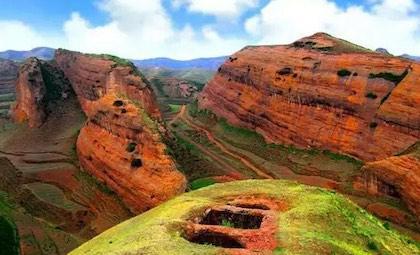 时拥有国家地质公园、国家森林公 国家级自然保护区的景区.位于西