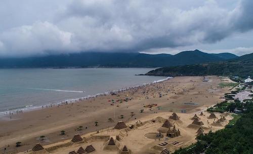 舟山朱家尖暑期旅游旺季营业时间公布,海滨浴场开启夜间