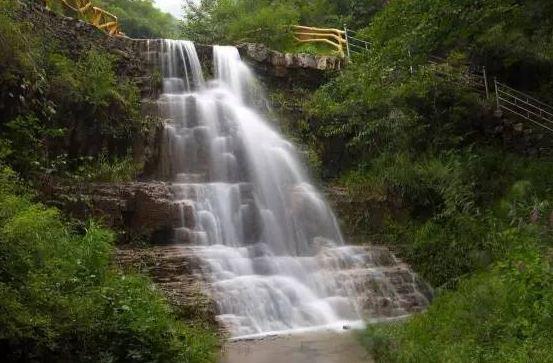 2017年唐县全胜峡瀑布节9月1日起正式开幕了