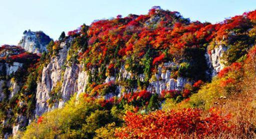 10月中旬-11月中旬齐山风景区山高峰秀,天蓝云白,碧绿的湖水,山间的