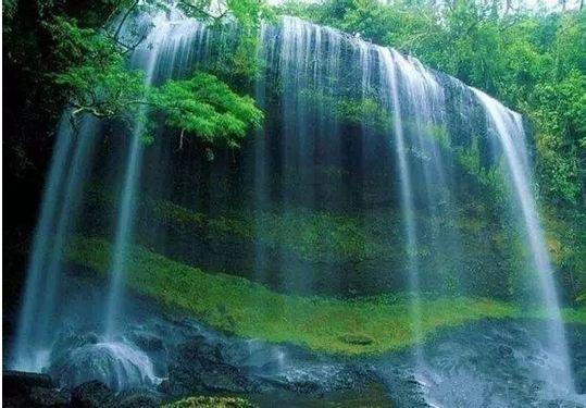 伊川鹤鸣峡开放时间:8:30-18:00 鹤鸣峡风景区位于伊川县酒后乡南庄村