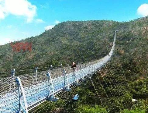 平山红崖谷景区玻璃桥将于12月24日正式对外开放